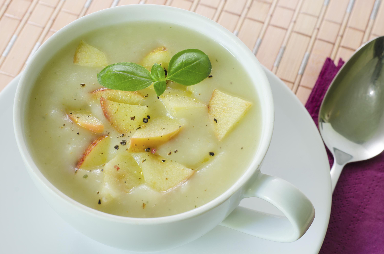 Insalata di patate sottosopra · Vellutata di mela e cavolfiore con miglio